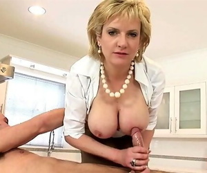 Woman Sonia gives her Twink..