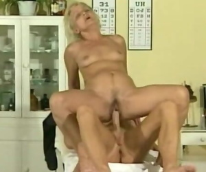 Sporty Doc Nails Mature Blond
